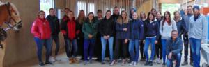 Pferdewirtschülerinnen und -schüler der Landmaschinenschule Landshut-Schönbrunn besichtigen Holzerhof